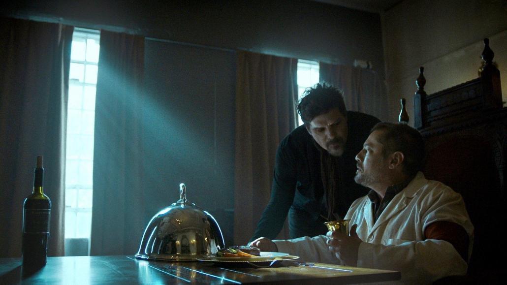 Van-Helsing-S01E07-for-me